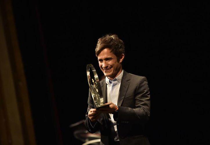 Gael García también acudió al Festival de cine para presentar la producción cinematográfica 'Neruda', en la que el mexicano da vida a Óscar Peluchonneau.(Alvaro Barrientos/AP)