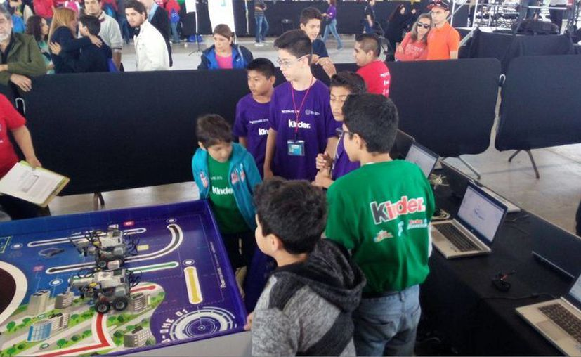 Seis yucatecos que ocuparon segundo y tercer lugar en el evento Robotix Faire 2016 en la ciudad de México, viajarán a Silicon Valley, en los Estados Unidos para visitar empresas de alta tecnología. (Milenio Novedades)