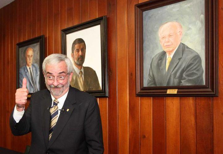 José Vasconcelos marcó a la UNAM con su lema 'Por mi raza hablará el espíritu'. En la foto, Enrique Graue Wiechers, quien tomará las riendas para el periodo 2015-2019. (Notimex)