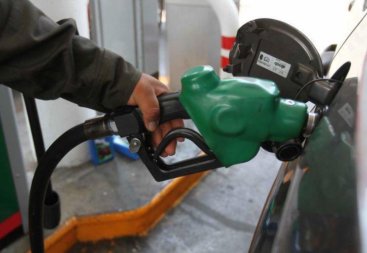 De acuerdo con la Profeco, el Distrito Federal tiene el mayor número de gasolineras que presenta anomalías, con 218. (Archivo/Notimex)
