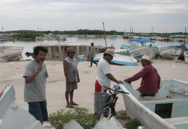 El delegado señaló que busca estar en contacto directo con los pescadores. (Milenio Novedades)