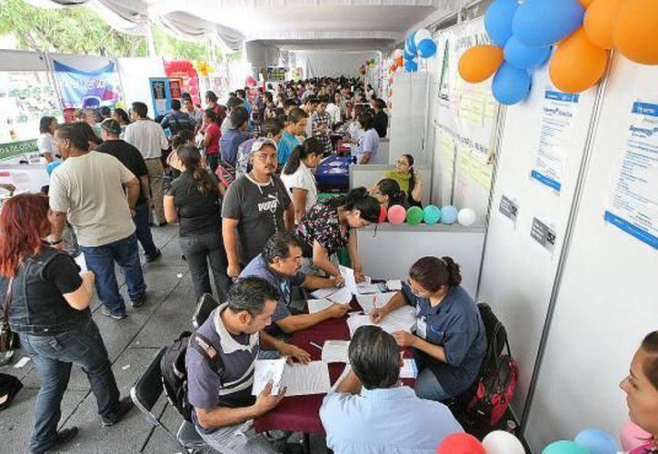 En 2017 se realizaron seis ferias de empleo con más de dos mil 650 vacantes y la contratación de más de 830 personas. (SIPSE)