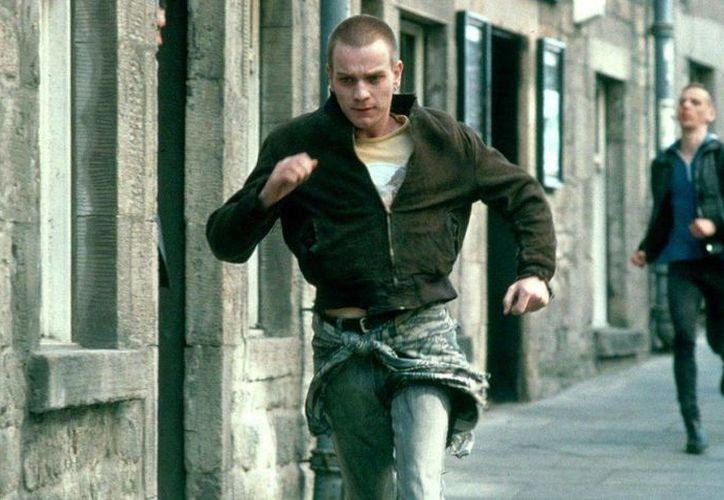 Se confirma que Ewan McGregor, Jonny Lee Miller, Ewen Bremmer y Robert Carlyle se unirán al cineasta Danny Boyle para la secuela de Trainspotting. (moviepilot.com)