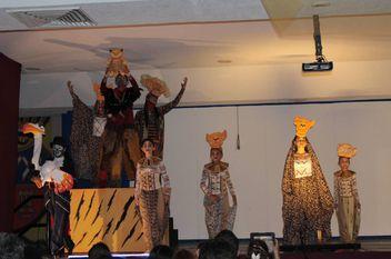 La Salle presentó el Rey León
