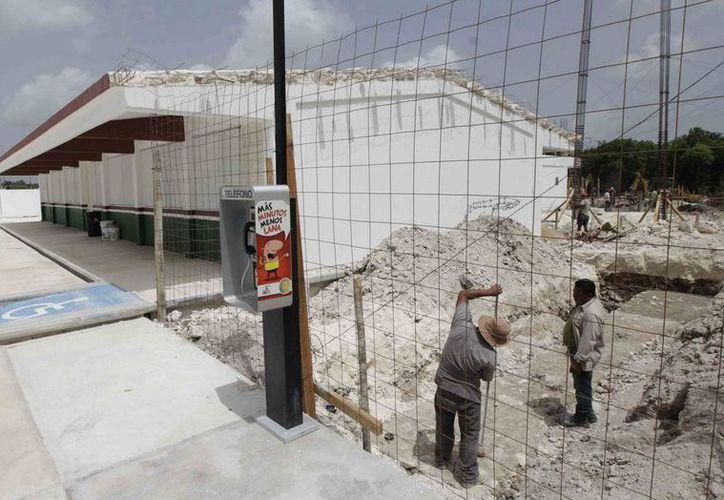 Las escuelas ya se encuentran en la fase de construcción, se espera que concluya antes de que finalice el año.(Redacción/SIPSE)