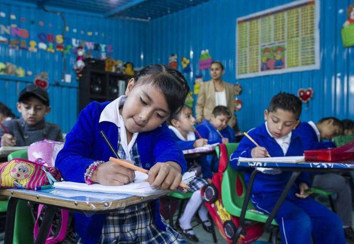Millones de alumnos regresaron a las aulas para dar inicio al ciclo escolar 2016-2017. (Archivo/Notimex)