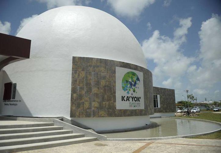El planetario Ka' Yok de Cancún, proyecta la cinta 'Estrella de los Faraones'. (Foto de Contexto/Internet)