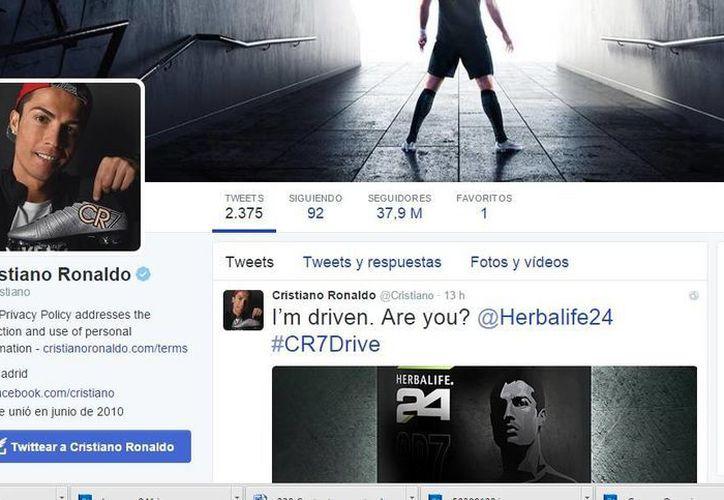 En imagen, la cuenta de Twitter del futbolista Cristiano Ronaldo. El portugués es el deportista que más cobra por cada tuit publicado, por arriba de la estrella de la NBA LeBron James y el tenista Rafael Nadal. (Twitter: Cristiano)