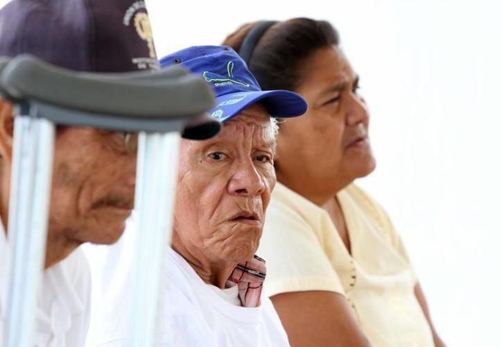 A partir de los 60 años los yucatecos viven en promedio seis años con discapacidad. (Milenio Novedades)