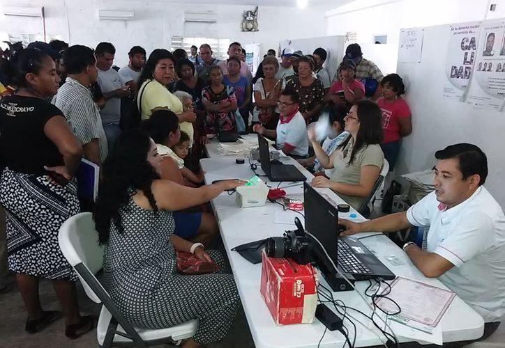 Hoy es el último día para realizar cualquier trámite de la credencial; el módulo de Chetumal dará atención gasta las 12 de la noche. (Joel Zamora/SIPSE)