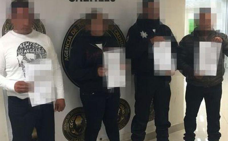 Detienen a policías por secuestrar a una familia