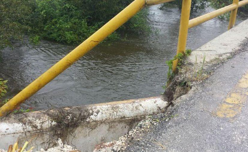 En algunos casos los puentes ya presentan actividad con el desagüe de acumulamientos de agua. (Javier Ortiz/SIPSE)