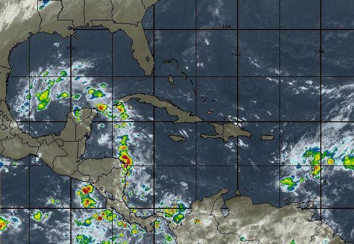 Para Cancún se esperan lluvias dispersas durante el día y una temperatura máxima de 28 grados. (Redacción/SIPSE)