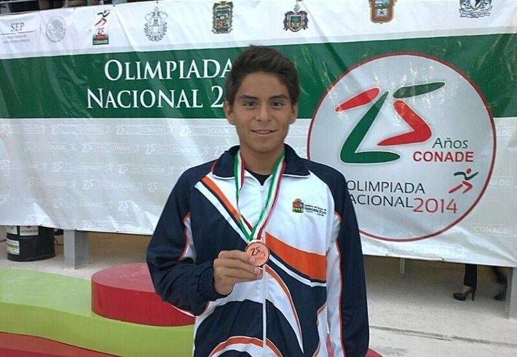 Christian Tirado Martínez gana bronce en la prueba de los mil 500 metros estilo libre. (Redacción/SIPSE)