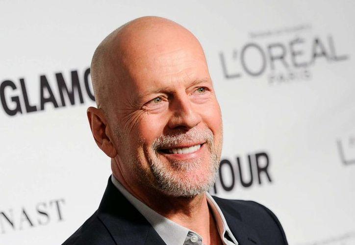Bruce Willis, quien aparece en esta foto de archivo del año pasado, se ha animado a debutar en el teatro de Broadway. (Foto: AP)