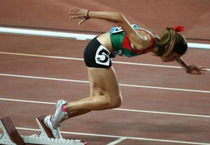 La velocista jalisciense Paola Morán se convirtió en las Olimpiadas Juveniles de Nanjing en la mexicana más rápida de la historia al recorrer los 400 metros con vallas. (Foto:@Conade)
