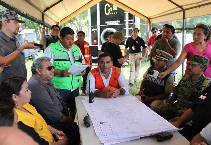 En el simulacro se sumaron unas 50 dependencias entre ellas la FGE, DIF Yucatán, Sedena, la Marina, Conagua y la SSP. (Milenio Novedades)