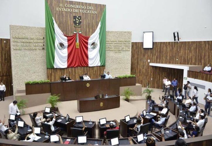 La LXI Legislatura del Congreso de Yucatán aprobó por unanimidad el Punto de Acuerdo para la integración de las 14 Comisiones Permanentes. (SIPSE)