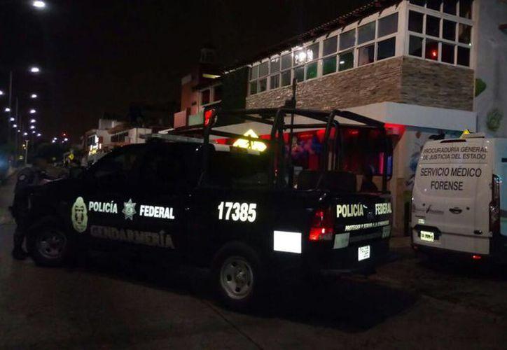 La persona lesionada en el bar de la avenida Yaxchilán tiene aproximadamente 23 años. (Inspector nocturno)