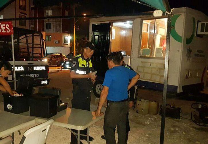 El operativo se implementó de jueves a domingo, en diferentes avenidas de Cancún. (Foto: Redacción)