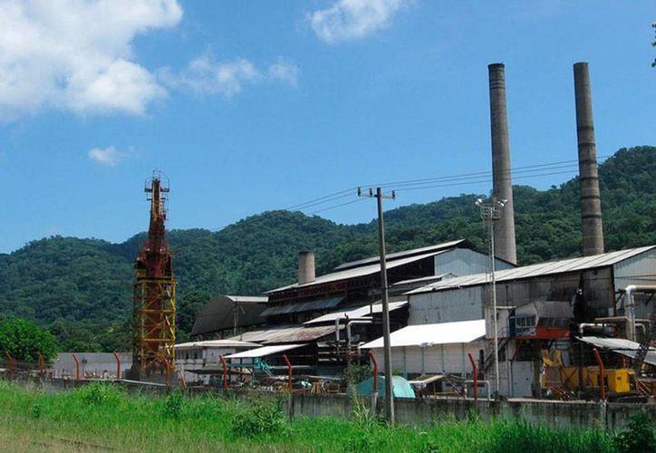 El Gobierno puso a la venta 9 ingenios azucareros. El SAE ya publicó las bases para la compra-venta. (zafranet.com)