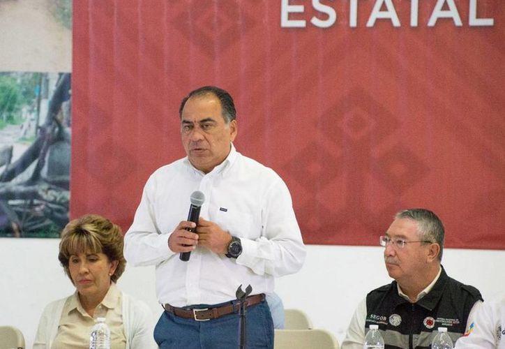 Héctor Astudillo, gobernador de Guerrero, se reunió en Chilpancingo con 63 alcaldes de la entidad, a quienes garantizó respaldo federal en materia de seguridad. (Notimex/archivo)