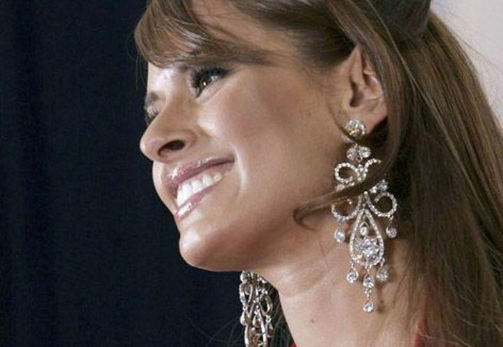Galilea Montijo, envió a través de Twitter una felicitación a su pareja Fernando Reina Iglesias por su nombramiento. (Notimex)