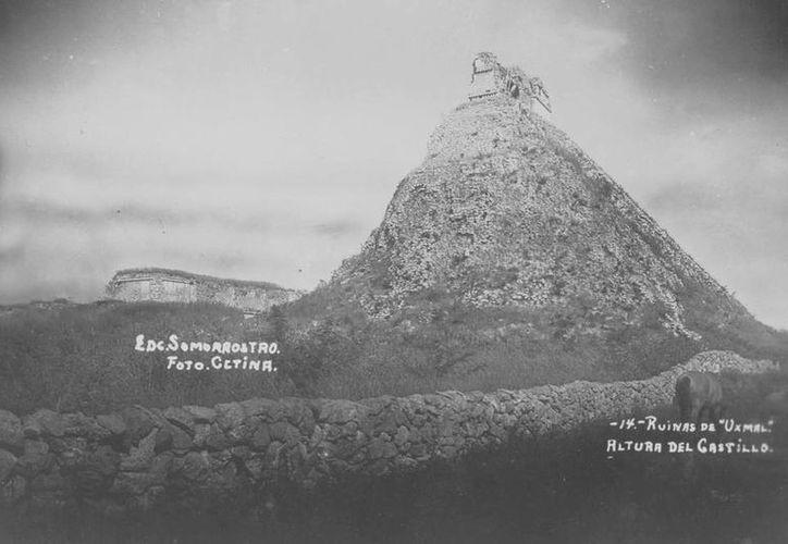 Las imágenes muestran el estado de edificios yucatecos en 1930, como es el caso del Castillo del Adivino. (SIPSE)