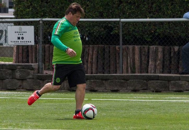 Miguel 'El Piojo' Herrera (foto), director técnico de la Selección Mexicana, dio su lista final de convocados a la Copa de Oro 2015. (Notimex/Archivo)