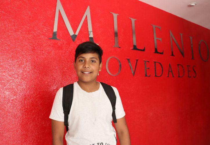 David Fernando Rodríguez Febles visitó las instalaciones de Milenio Novedades para invitar a nuestros lectores en tan noble recaudación.