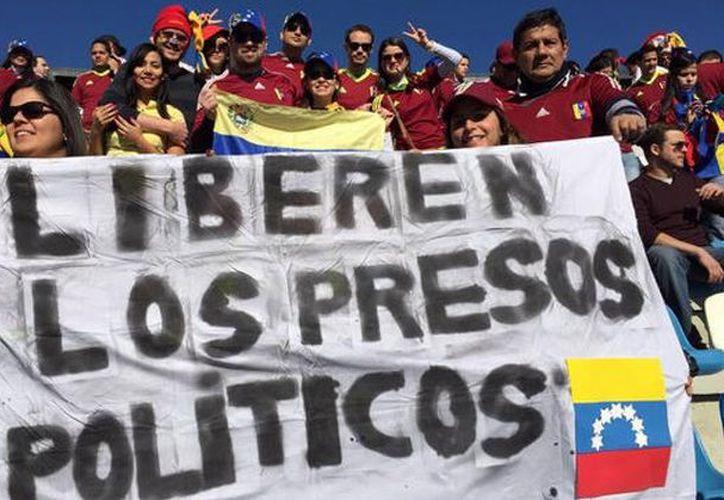 El ministro de Relaciones Exteriores, Jorge Arreaza, afirmó que la liberación demuestra el compromiso del gobierno hacia el diálogo con la oposición. (SIPSE)