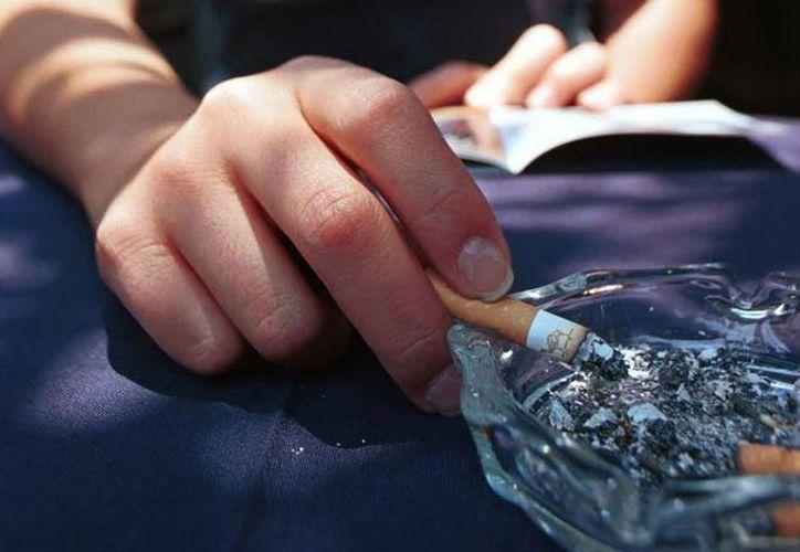Los diputados que plantean aumentar impuesto al tabaco, argumentan que las medidas fiscales son más efectivas para reducir el consumo y prevenir enfermedades asociadas. Foto de contexto. (Archivo/Notimex)