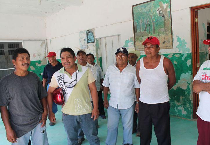 Los ejidatarios solicitan los contratos de los convenios firmados. (Raúl Balam/SIPSE)