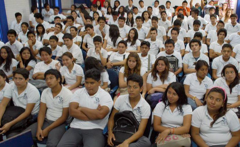 Se han dado pláticas informativas en escuelas. (Tomás Álvarez/SIPSE)