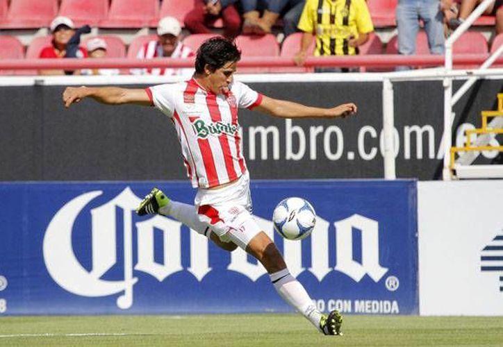 El exjugador del Atlas, Jahir Barraza, tuvo una muy buena participación al  marcar dos tantos y guiar la victoria hidrocálida. Los goles fueron anotados al minuto 28 y 50. (necaxa.blogspot.mx)
