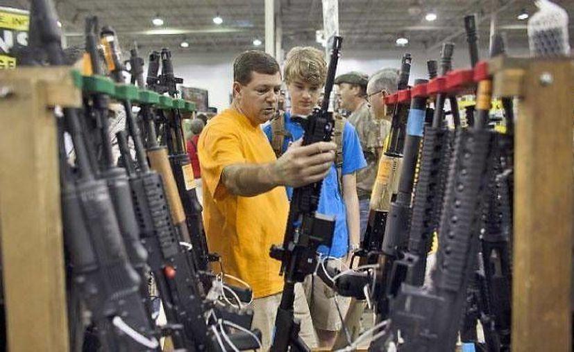 De entrada el permiso para portar armas es un peligro para la sociedad. (Agencias)
