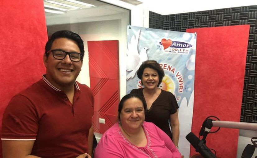 """Ángel Pinto, Alejandra Jiménez y Alis García, durante la transmisión de """"Salvemos una Vida"""". (Novedades Yucatán)"""