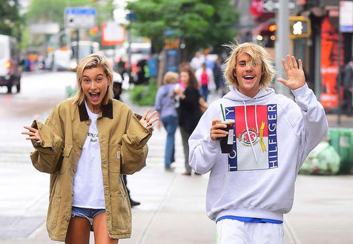 La pareja a estado yendo y viniendo en varias ocasiones, hasta que finalmente se lo tomaron en serio. (Foto: People)