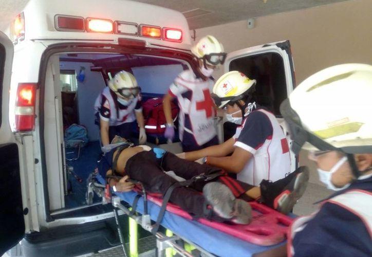 Un hombre recibió un impacto de bala en Cancún, fue trasladado al IMSS de la Región 510. (Eric Galindo/SIPSE)