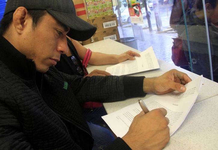 Laborar en otro país resulta una alternativa para los jóvenes profesionales de Yucatán. (Archivo/ SIPSE)