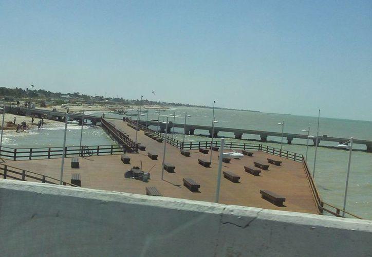El andador que une los malecones oriente y poniente de Progreso será la sede del certamen. (Manuel Pool/SIPSE)