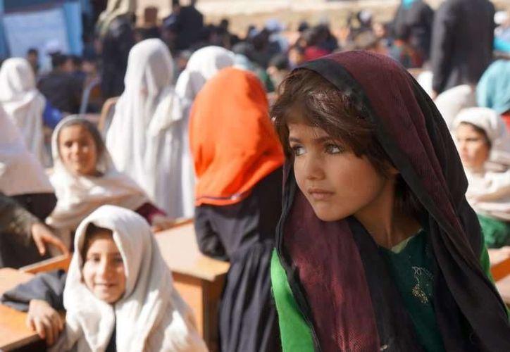Muchos analistas responsabilizan de las intoxicaciones a los talibanes, pues se han opuesto tradicionalmente a la educación de las niñas y adolescentes. Foto de contexto. (acnur.org)