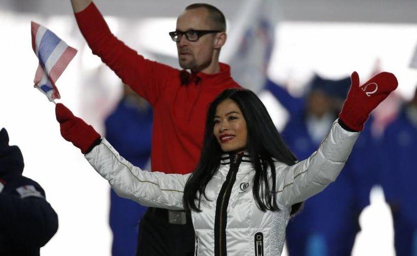En enero se organizaron en Eslovenia cuatro slalom gigantes femeninos, con el único objetivo de que Vanessa Mae, aficionada al esquí, lograra los puntos necesarios para clasificarse a los Olímpicos de Invierno en Sochi. (ibtimes.co.uk)