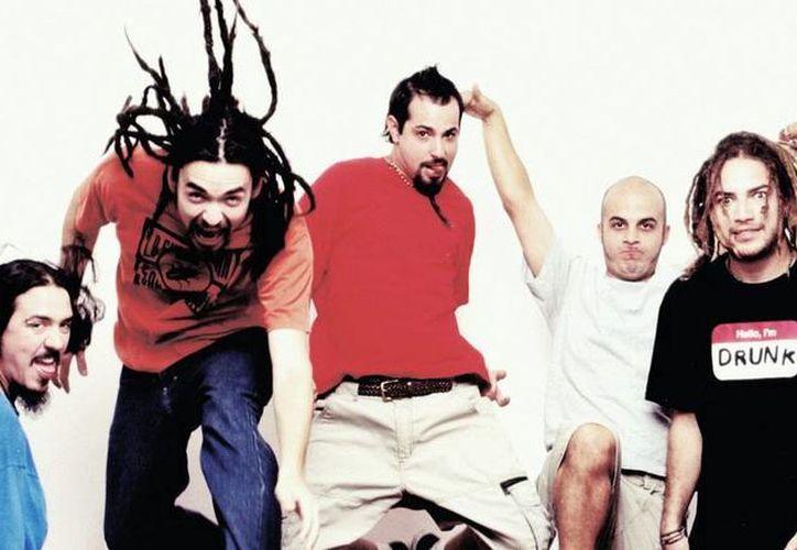 Genitallica ha alternado con grupos de rock en español como Molotov, Café Tacuba y Caifanes, entre otros. (Milenio Novedades)