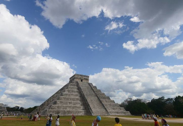 Hace años, un plan similar al de manejos de sitio rescató El Castillo de Chichén. (Milenio Novedades)