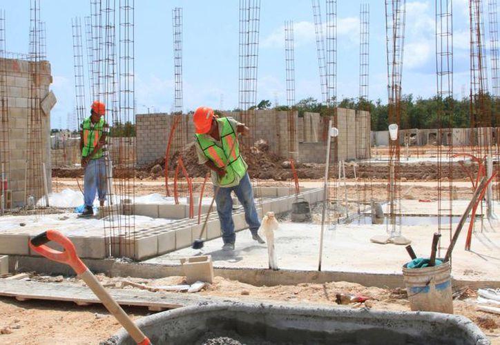 El sector de la construcción registró una caída de 13.2% en su valor durante el mes de agosto. (Ángel Castilla/SIPSE)