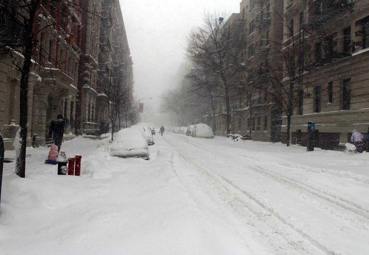 Hace unas semanas, Nueva York y buena parte del noreste de Estados Unidos sufrieron intensas nevadas por una tormenta polar. (Archivo/Notimex)