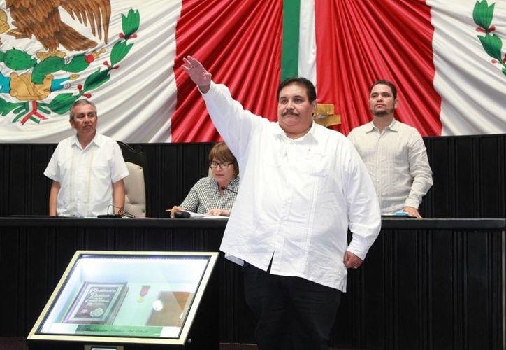 El nuevo Fiscal General del Estado rindió protesta ante la XV Legislatura. (Foto: Eddy Bonilla/SIPSE)