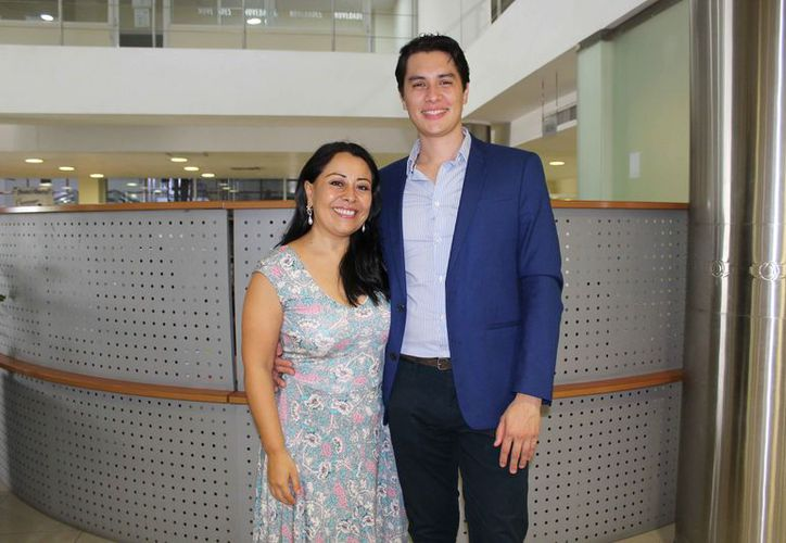Los artistas fueron entrevistados en Novedades Quintana Roo. (Faride Cetina/SIPSE)