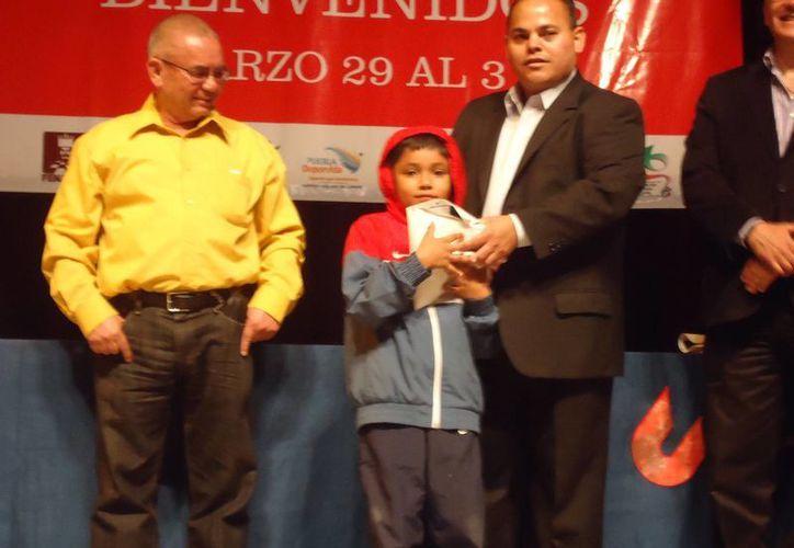 Foto de Paul Rosales cuando se clasificó en Puebla entre los 10 mejores ajedrecistas de México. (Cortesía)